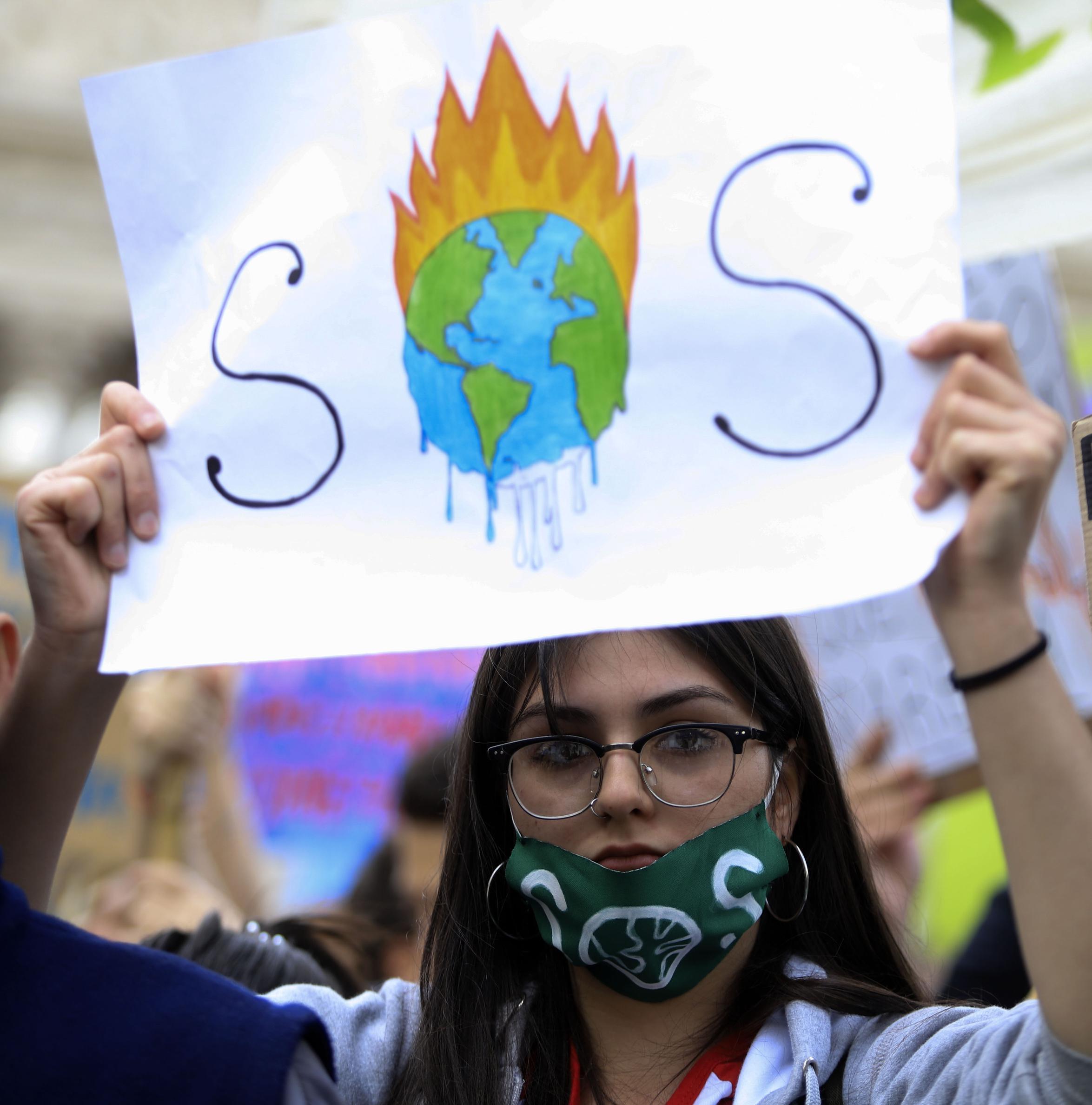 """Más de 11.000 científicos declaran la """"emergencia climática"""""""