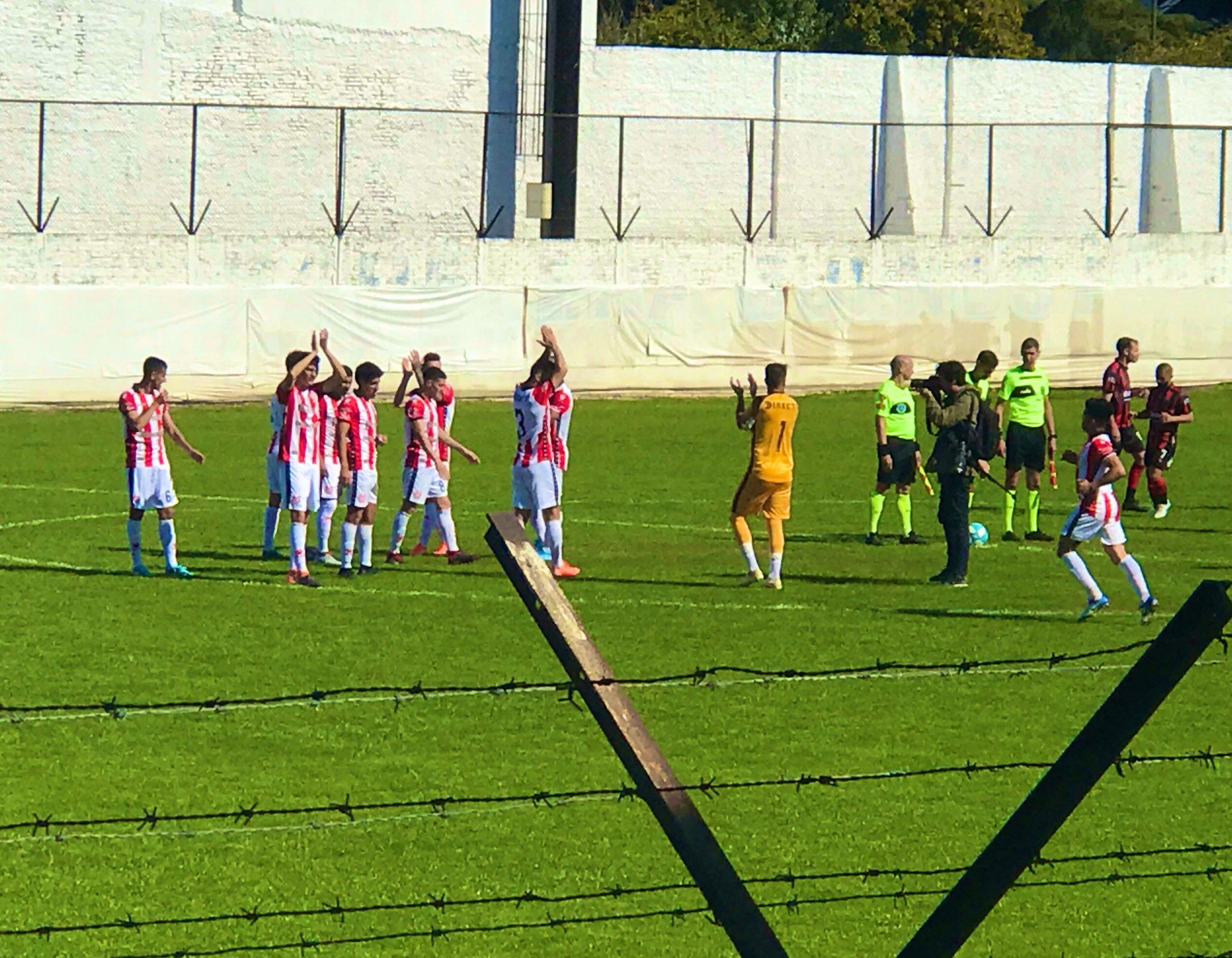 Instituto jugó bien, pero se trajo un punto en su visita a Defensores de Belgrano