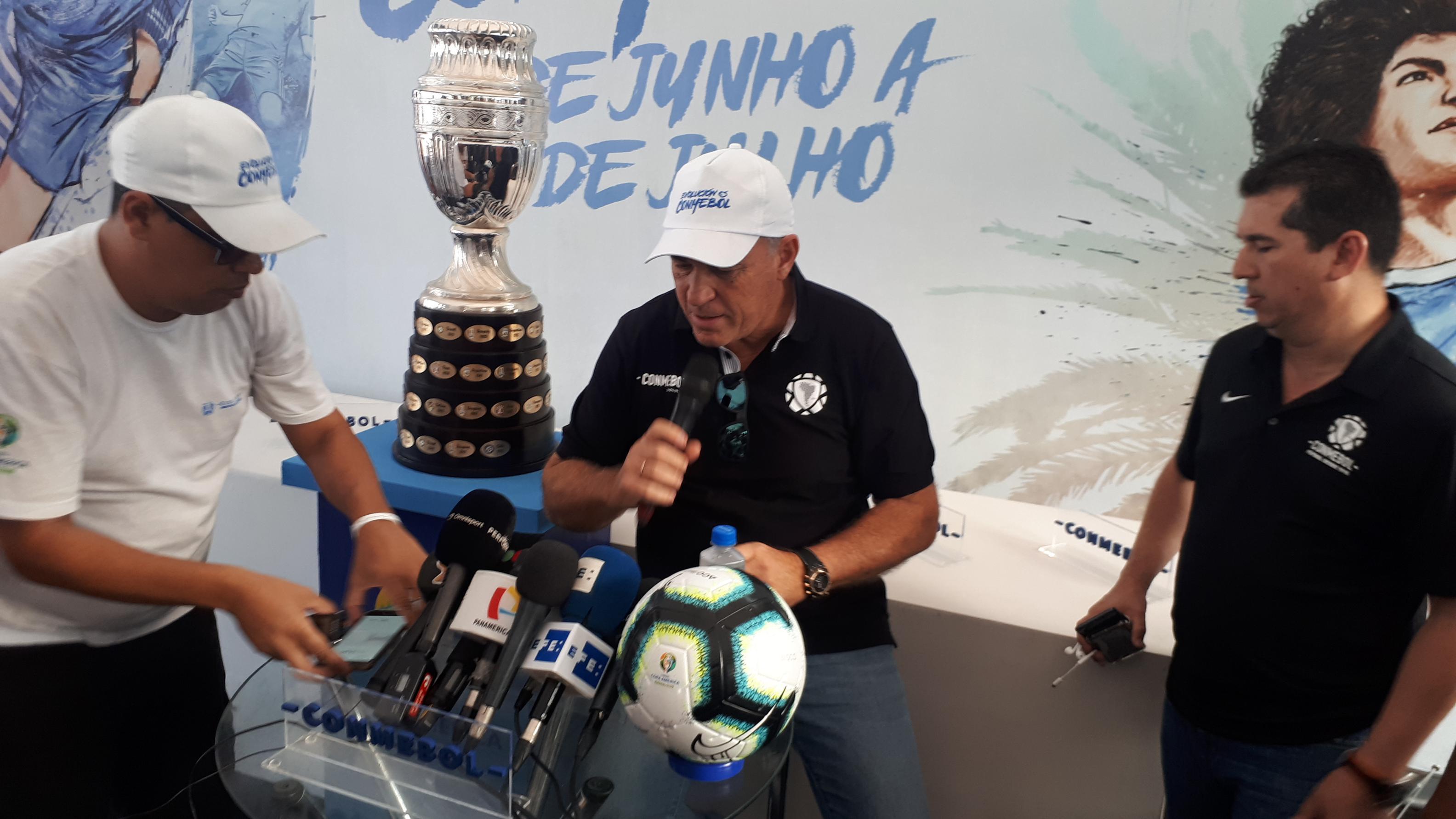"""Pumpido: """"A la Selección le viene bien jugar el mano a mano"""""""