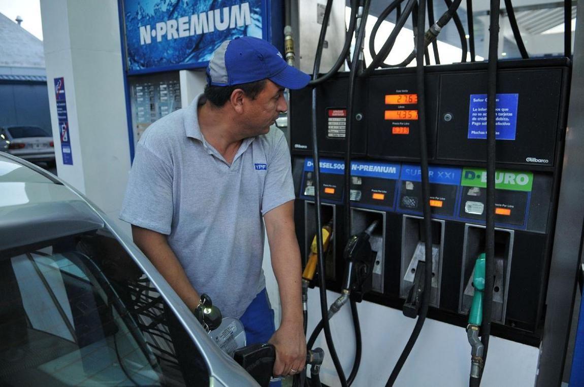 La venta de combustibles se incremento un 3,6% en abril, según Cecha