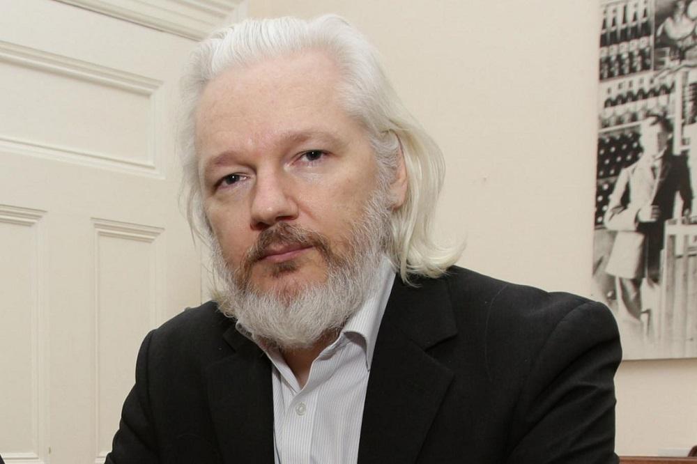 Assange fue enviado a una prisión de alta seguridad en Londres