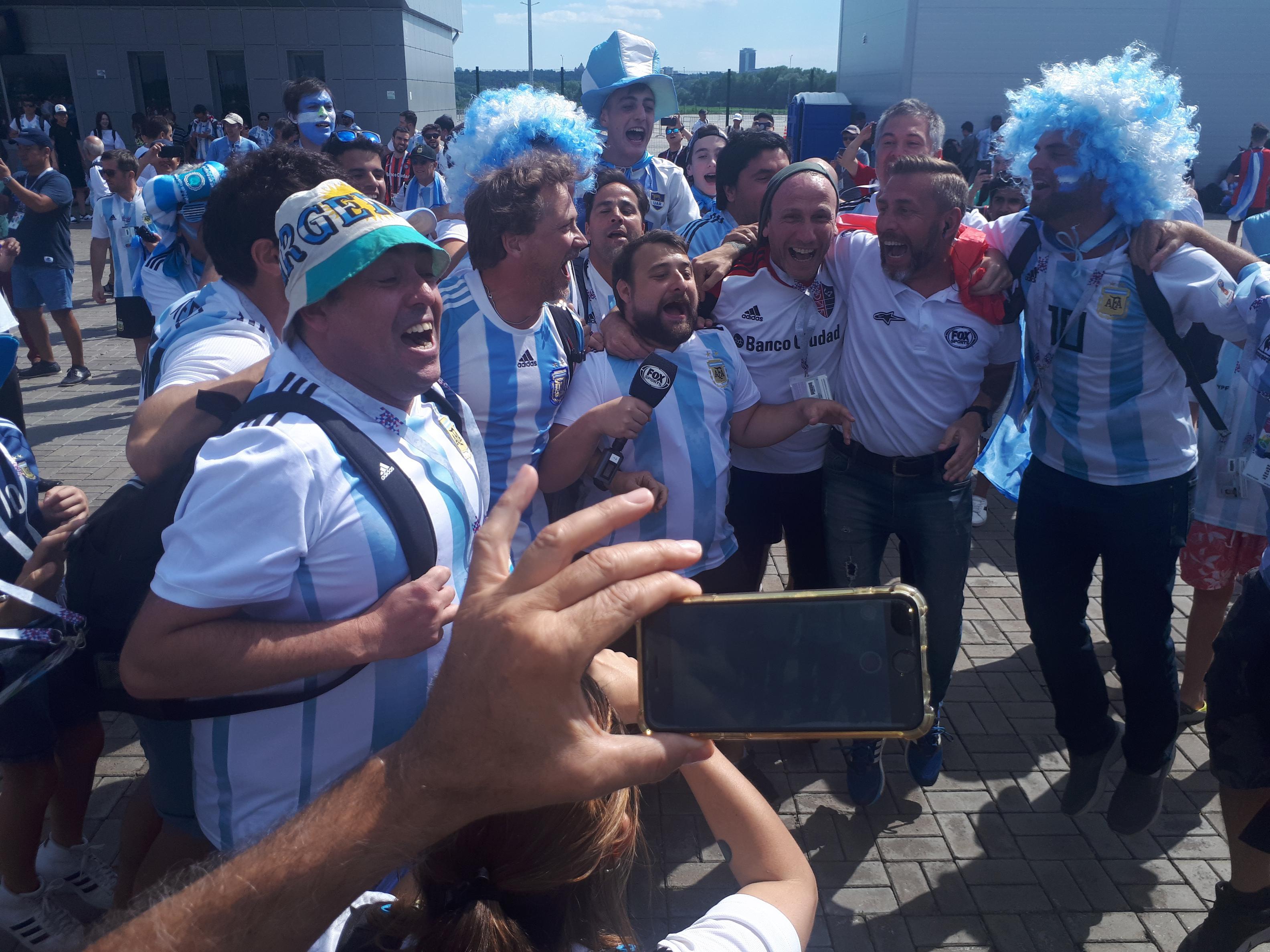Kazán: miles de argentinos en la previa con Francia