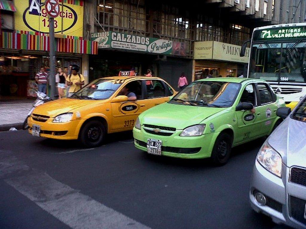 Concejales aprobaron el nuevo marco regulatorio para taxis y remises