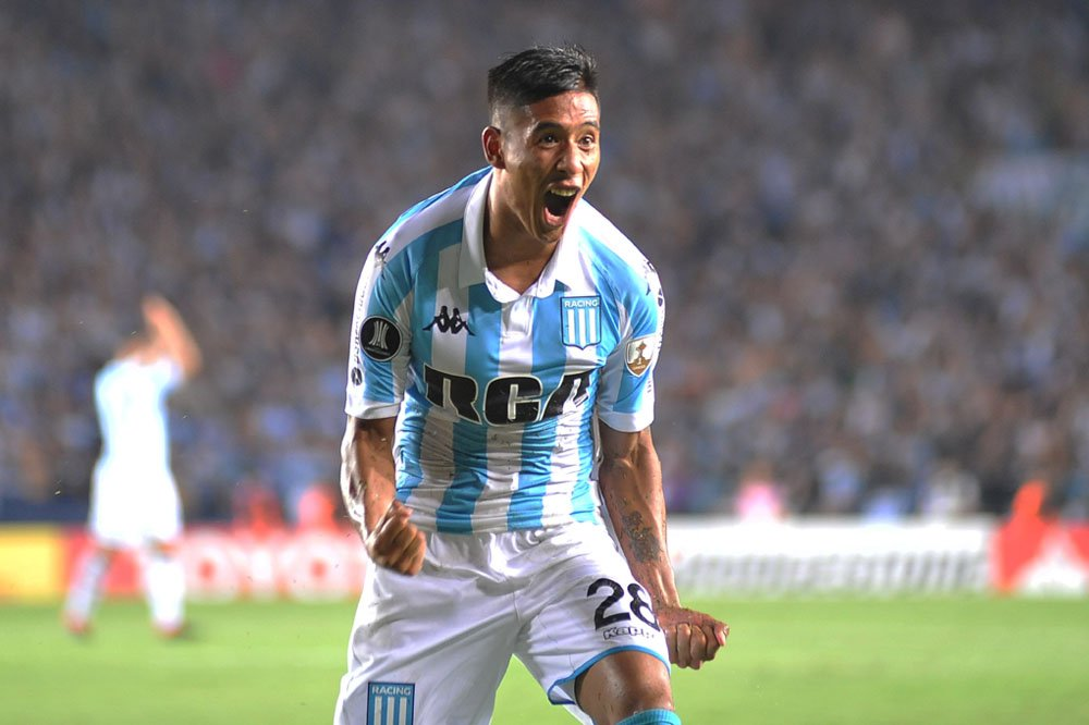 Superliga: Racing quiere su primer festejo ante Vélez