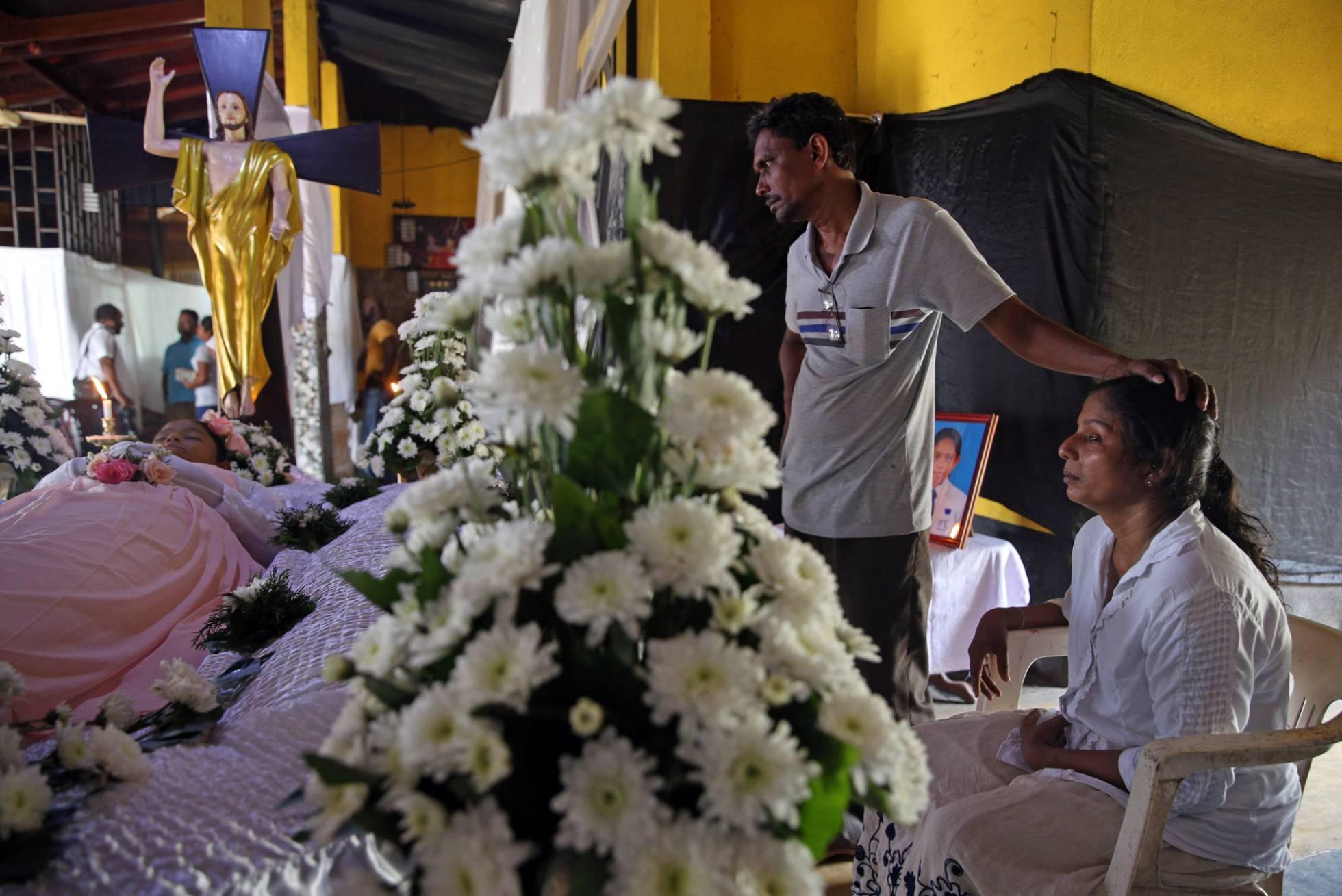 Sri Lanka: ascienden a 359 los muertos y alertan por posibles nuevos ataques