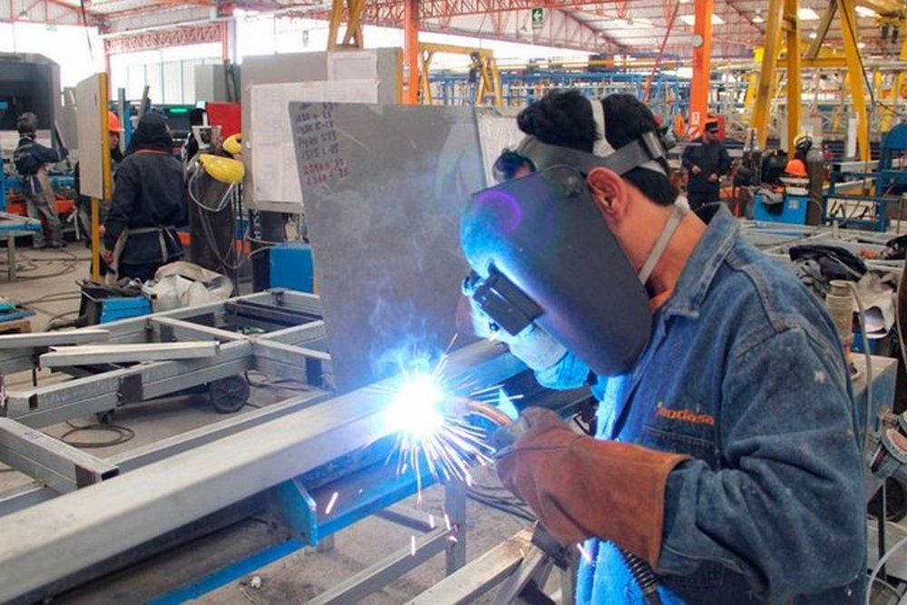 La economía cayó un 4,2% interanual en el segundo trimestre