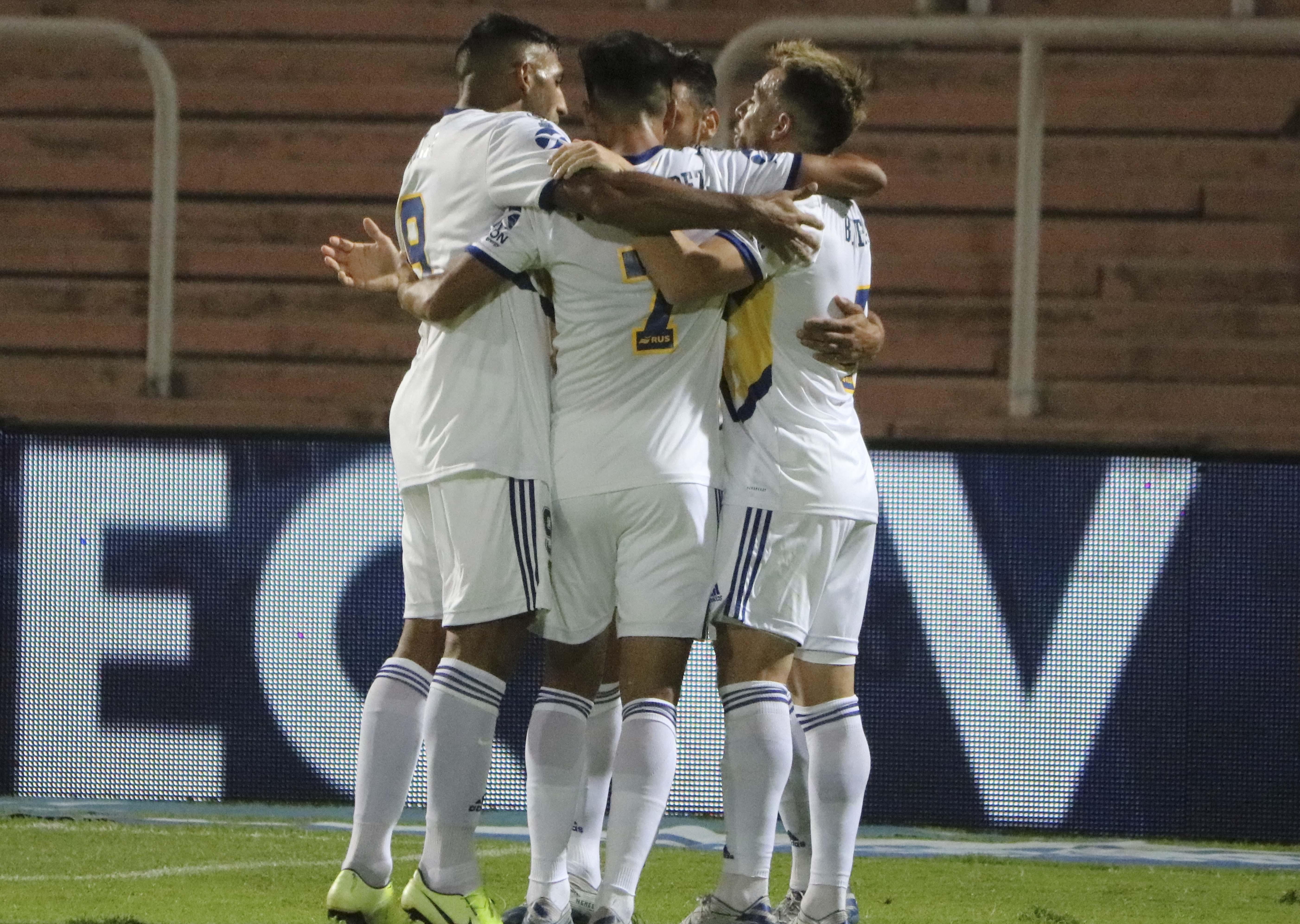 Con rendimiento parejo, Boca sigue de festejos y goleó en Mendoza