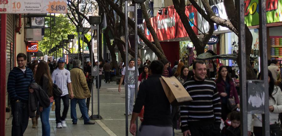 Los comercios pymes de Córdoba acumularon un año de caída de ventas