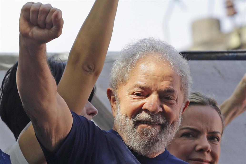 """""""Nunca este país necesitó tanto de usted"""", dijo Lula antes de los comicios"""