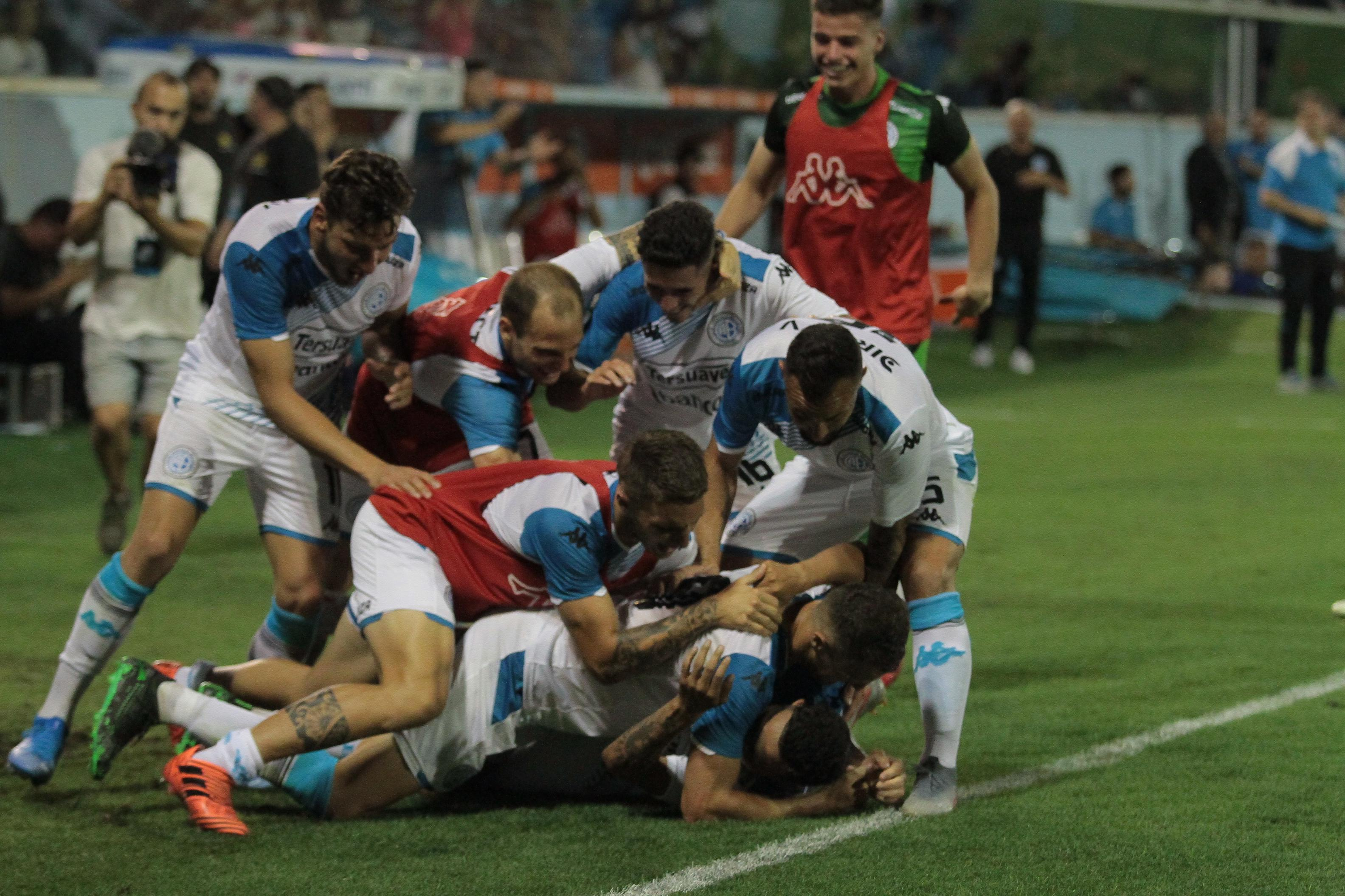 Belgrano no pudo mantener la ventaja y empató con Alvarado - Javier Imaz