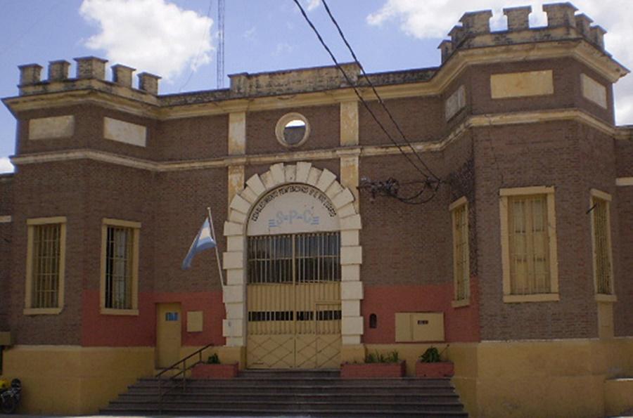 Denuncian golpizas y traslados arbitrarios en la cárcel de Río Cuarto