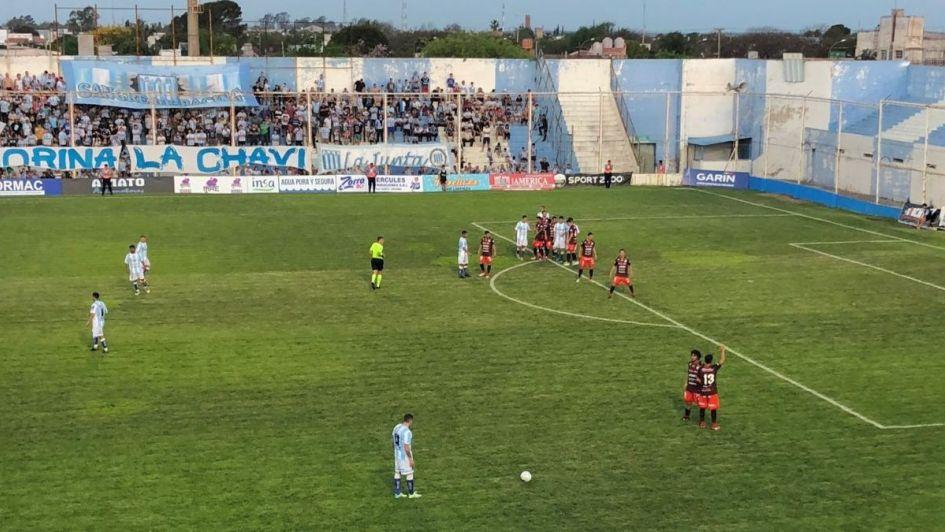 Racing busca su primera victoria ante Estudiantes de San Luis
