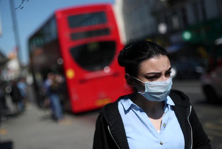 Reino Unido extenderá la cuarentena tras superar los 12.800 fallecidos