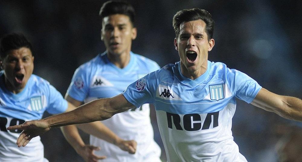 Racing venció a Unión de Santa Fe y continúa en la cima de la Superliga