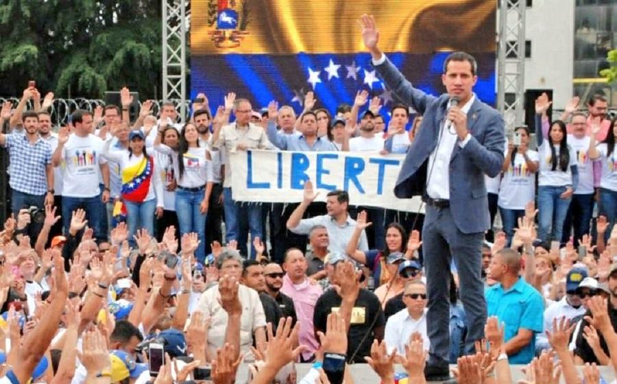 """Guaidó se dirigió a Maduro y dijo: """"Tenemos el respaldo firme del mundo"""""""