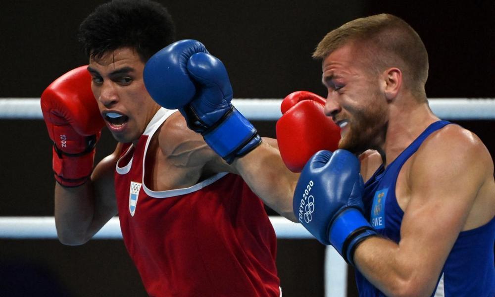 Boxeo: Francisco Verón ganó y clasificó a octavos de final