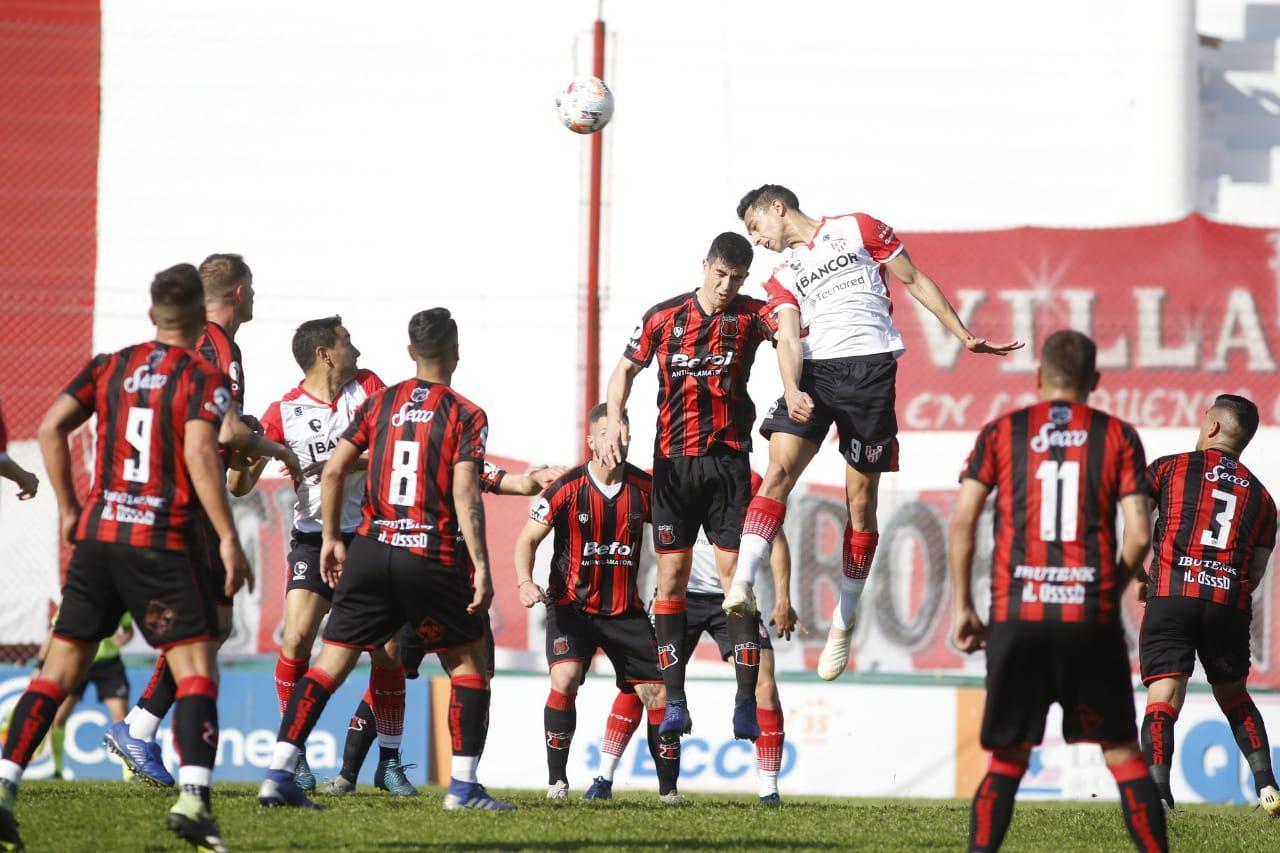 Instituto está igualando sin goles ante Defensores de Belgrano