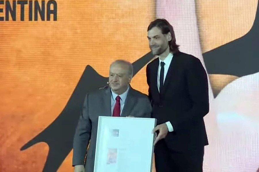 Oberto, oficialmente dentro del Salón de la Fama FIBA