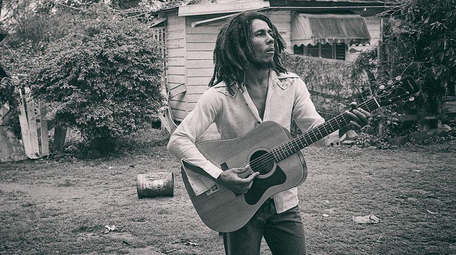 Bob Marley b&w