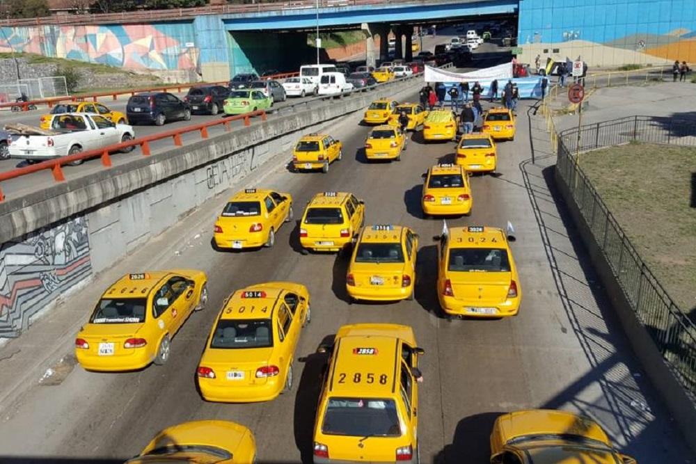 taxistas movilización by Fernando Barrionuevo Cadena 3
