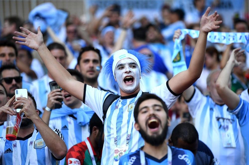 Argentina se enfrenta a México en un amistoso en el estadio Mario Kempes