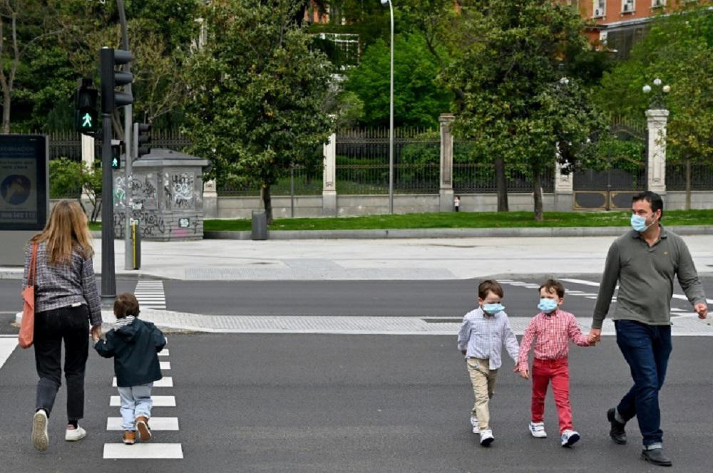 Europa registra el menor número de muertes por la pandemia en semanas