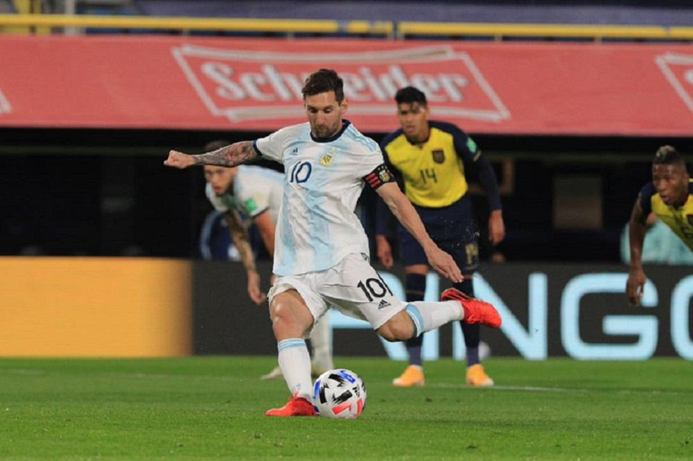 Argentina, sin brillo, venció a Ecuador en el inicio de las Eliminatorias