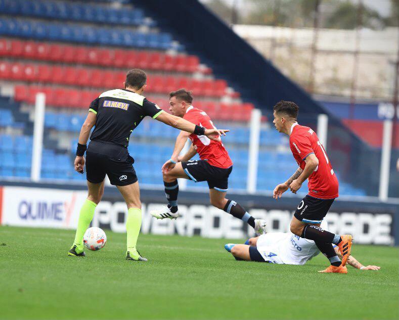 Primera Nacional: de visitante, Belgrano empata sin goles ante Tigre