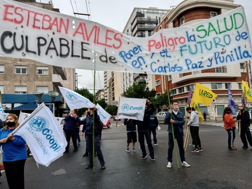 protesta de la coop de VCP en la Legislatura - foto: Coopi