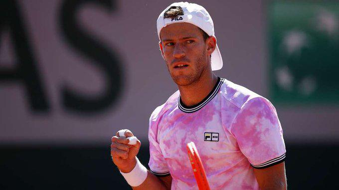Diego Schwartzman avanza firme en Roland Garros