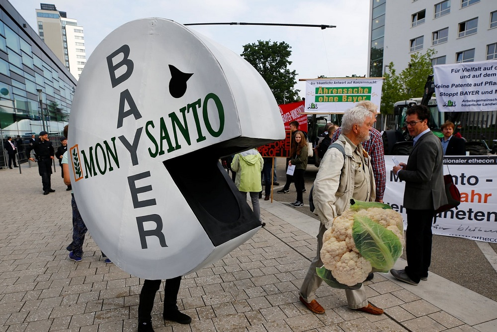 Monsanto Bayer protesta Bonn by Reuters