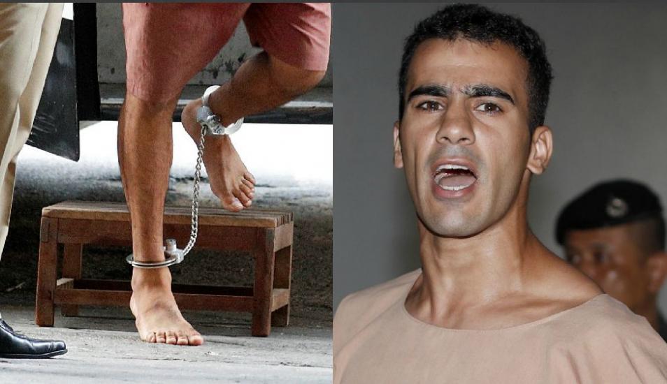 Los impactantes grilletes del futbolista detenido en Tailandia