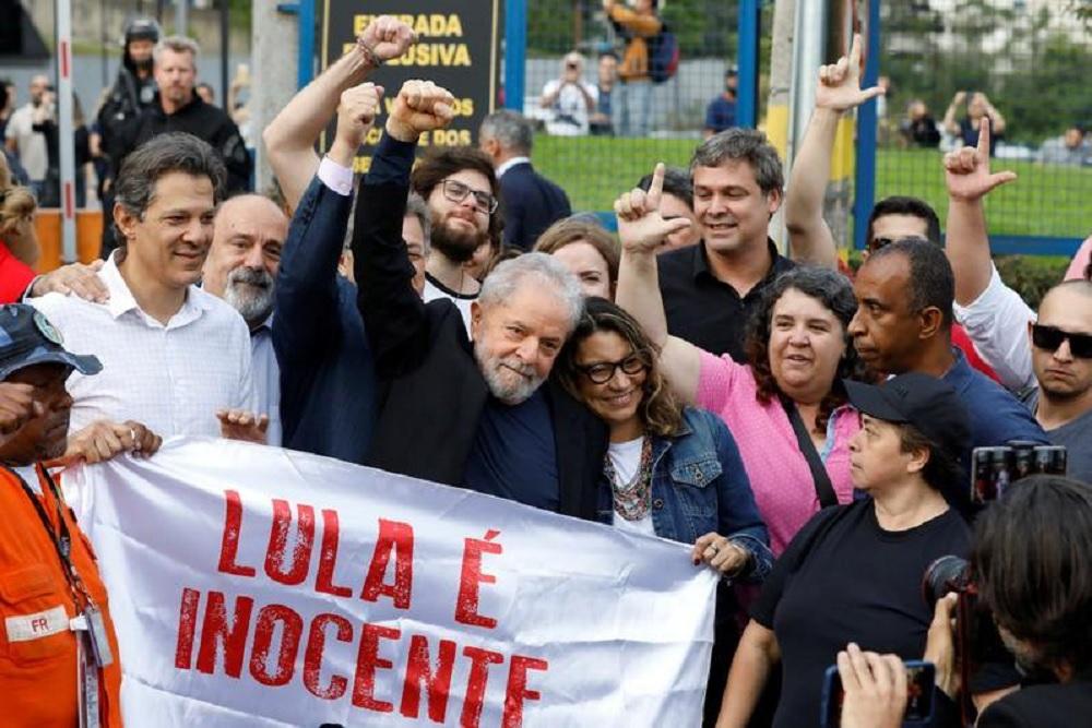 """Lula da Silva fue liberado: """"Ustedes eran el alimento de la democracia"""""""