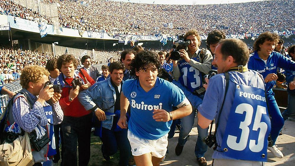 Maradona Napoles_01