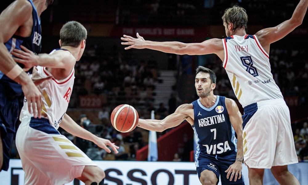 Básquetbol: Argentina le ganó a Rusia y quedó primera en el grupo