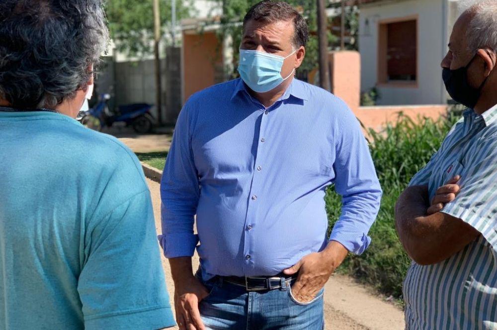 Darío Capitani recorre barrios