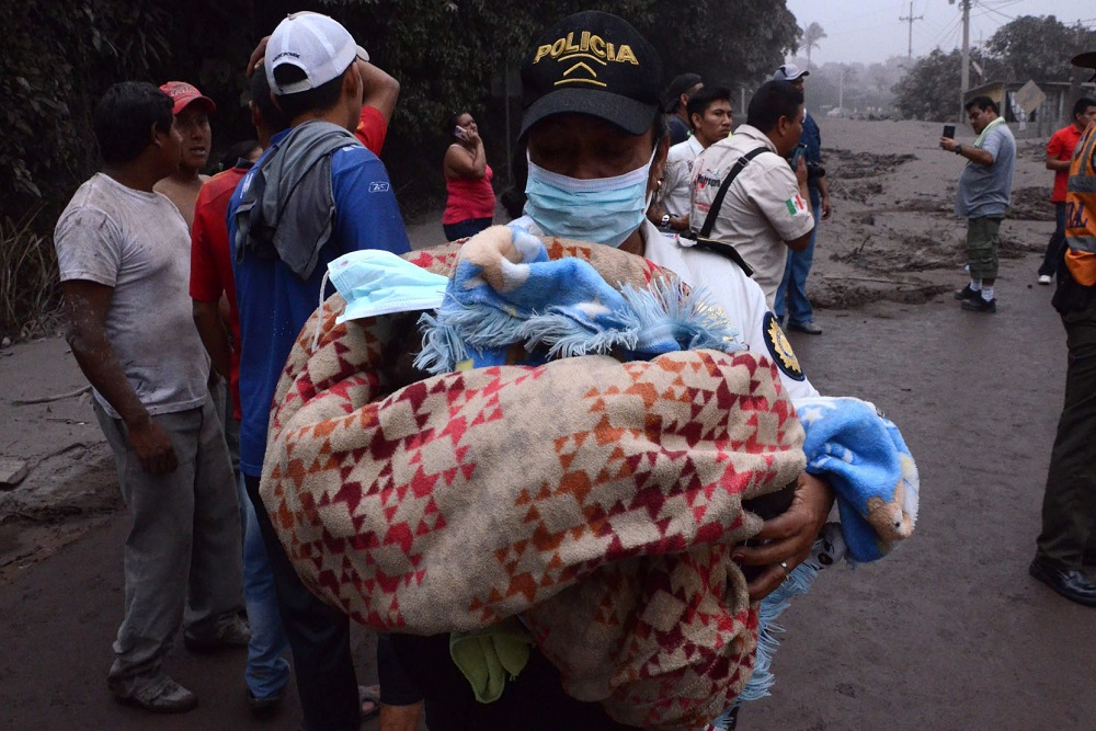 Volcán Guatemala 2 by AFP-Getty Images