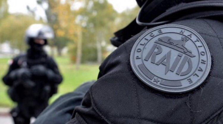 Francia: un muerto y seis heridos en un ataque con cuchillo cerca de Lyon