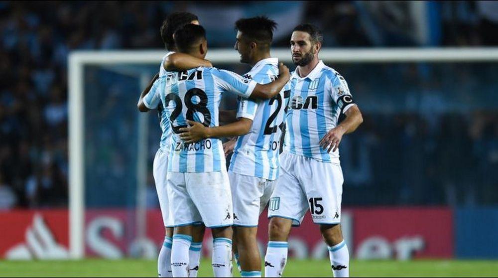 Racing fue efectivo ante Vélez y sumó su primer triunfo en la Superliga