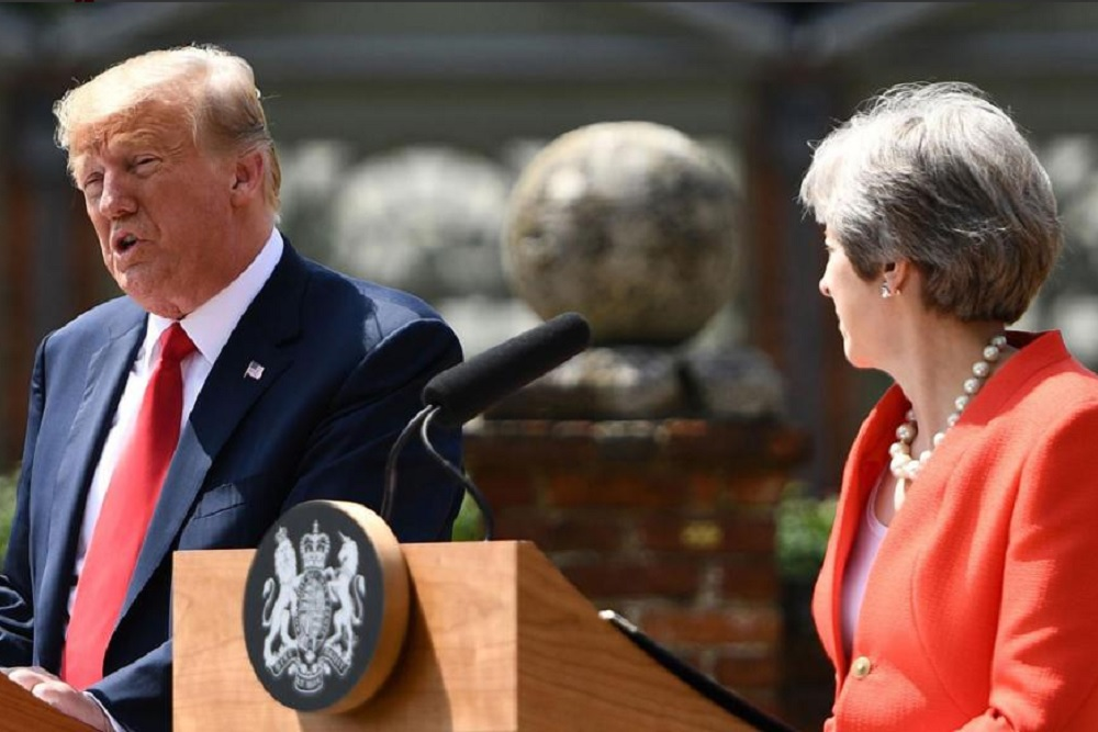 "Theresa May: Trump sugirió que ""demande a la UE"" por el Brexit"