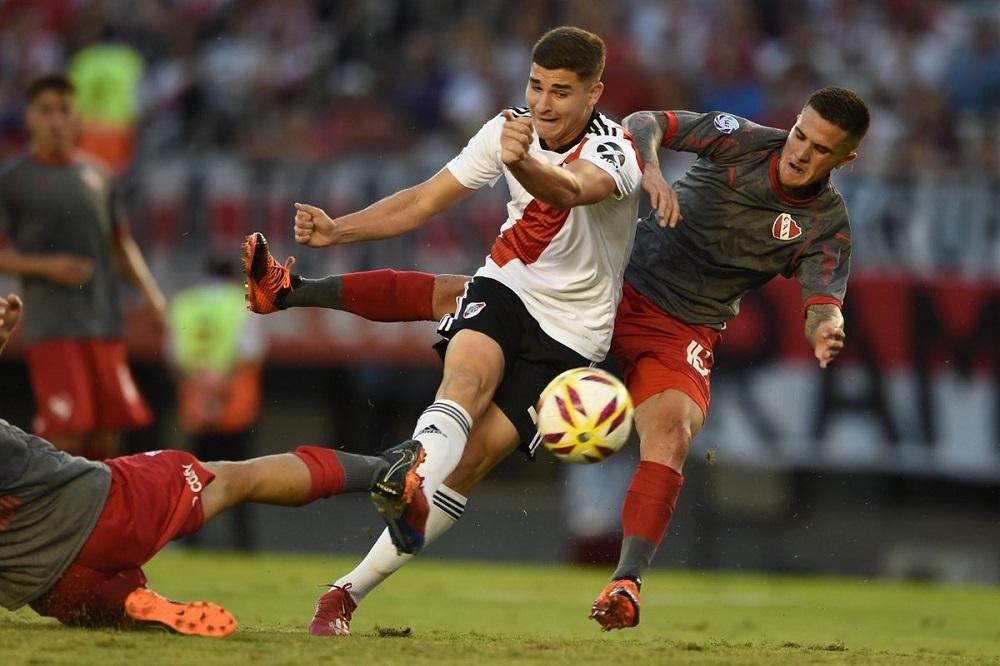River superó a Independiente por 3 a 0 y quedó a un paso de la Libertadores