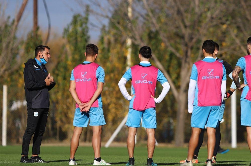 Farré ya tiene un equipo de mente en su debut en Belgrano