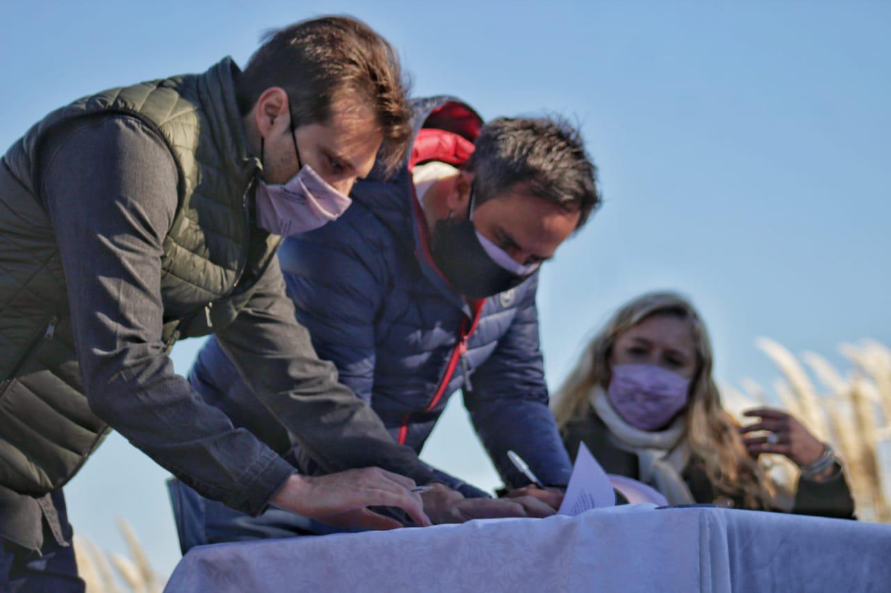 Cabcdie firma nuevo parque natural Miramar de Ansenuza Prensa Gabriela Estévez