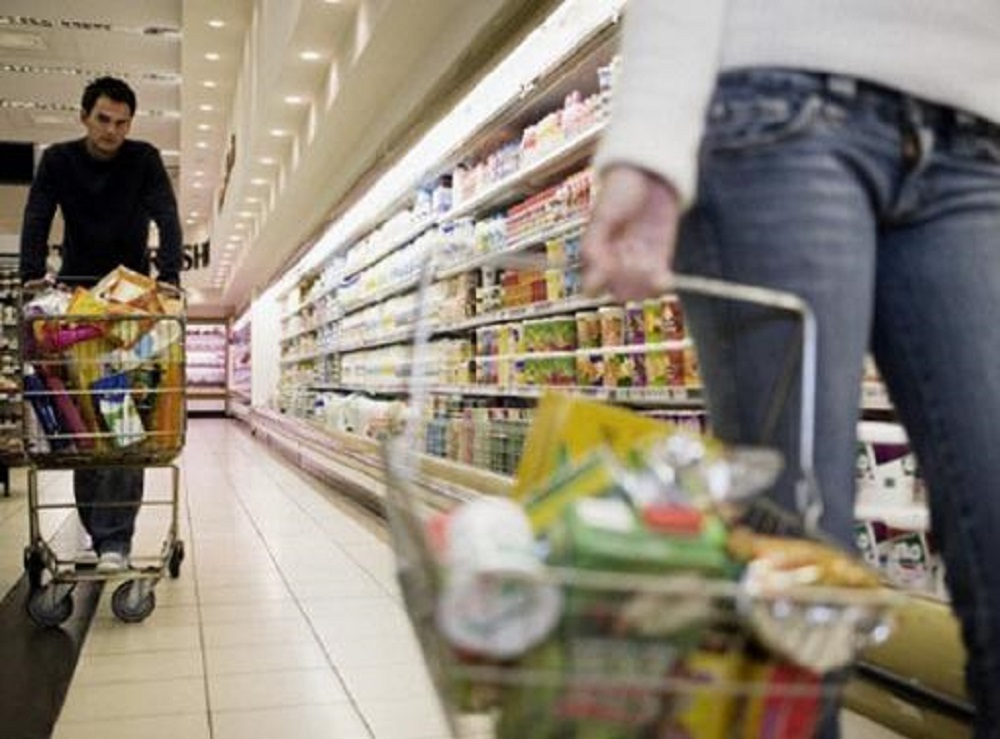 La confianza de los consumidores cayó un 14% interanual en julio