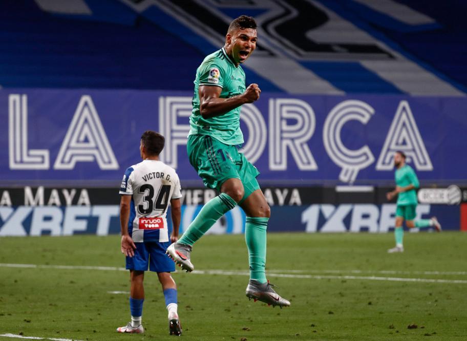 Real Madrid derrotó a Espanyol y lidera la liga española de fútbol