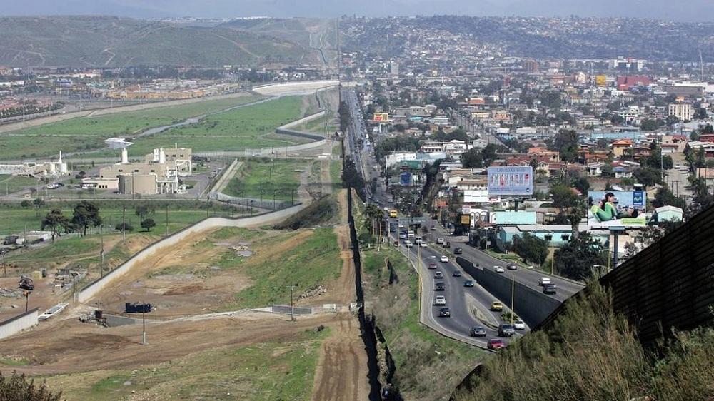 Trump anunció que cerrará la frontera con México la semana próxima