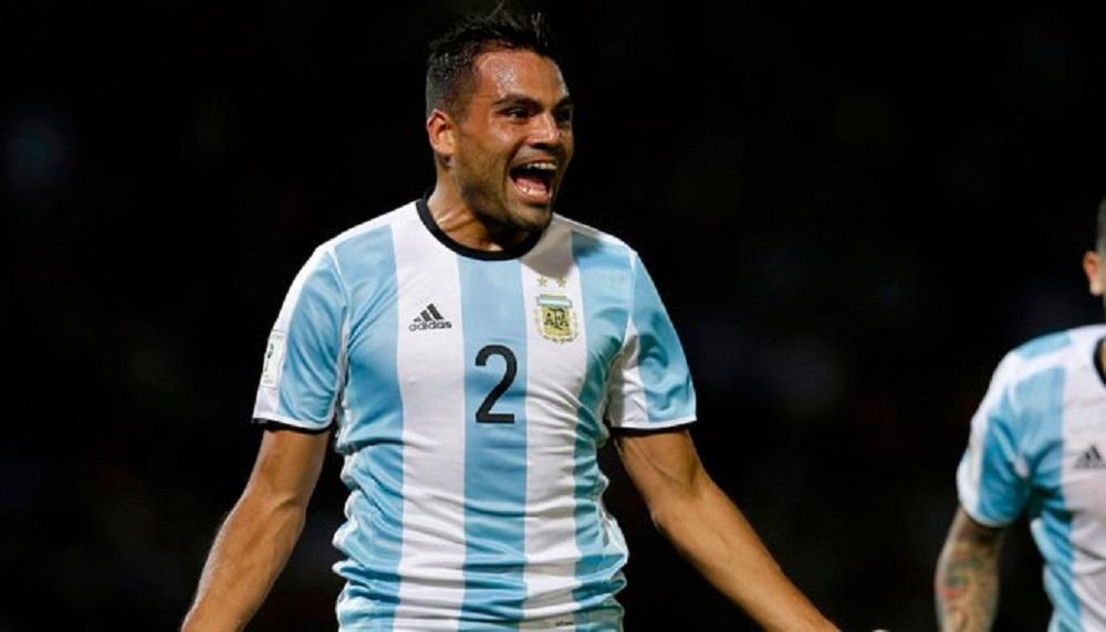 Gabriel Mercado va de lateral o zaguero pero juega