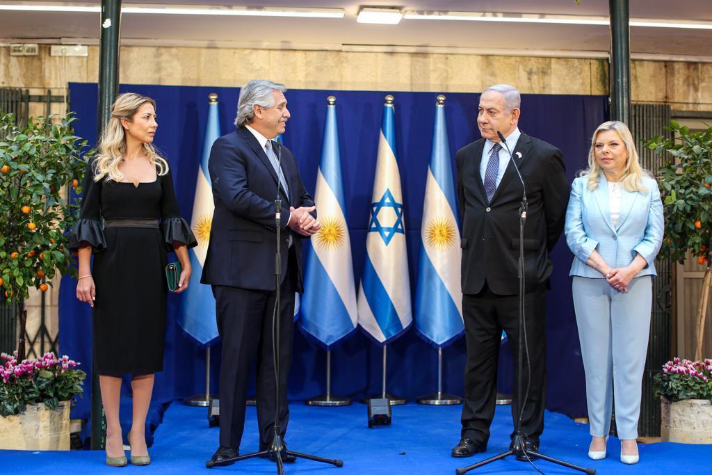 Alberto fernández en Israel con Benjamin Netanyahu