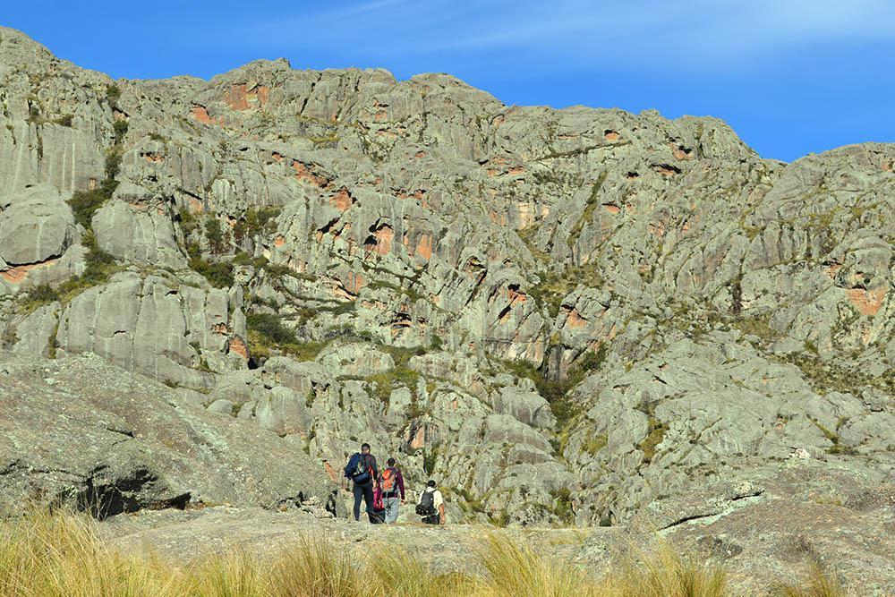 Los Gigantes - Primeros pasos para internarse en el cordón montañoso de Los Gigantes