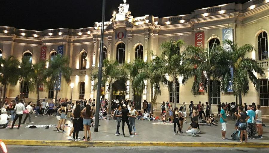 Susto En Córdoba Por La Sorpresiva Evacuación Del Shopping Patio Olmos